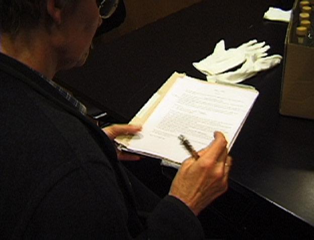 Aufsetzen des Protokolls durch die Notarin