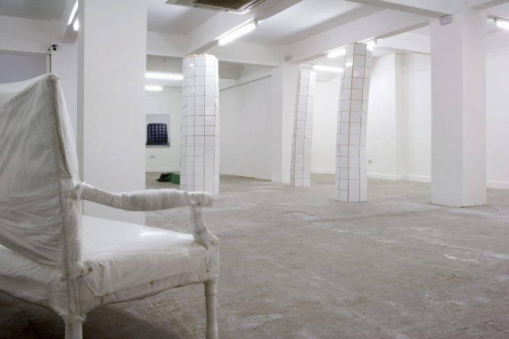 <i>Settee</i><br> Installation view <i> In Shape In Control</i>, ROKEBY Gallery London 2010