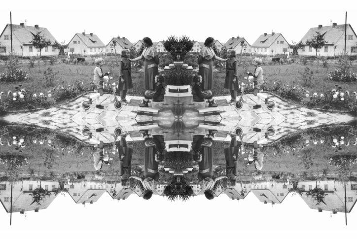 <i>Neubaufamilie</i> Tapeten Grundmotiv / Fotografie, 120 x 150 cm